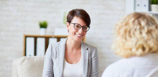 Psychoterapia bez wychodzenia z domu Tak, dzięki gabinetom online
